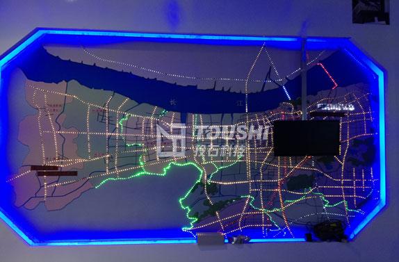法尔胜泓升集团展厅投用投石科技新作:电子沙盘与滑轨电视二合一